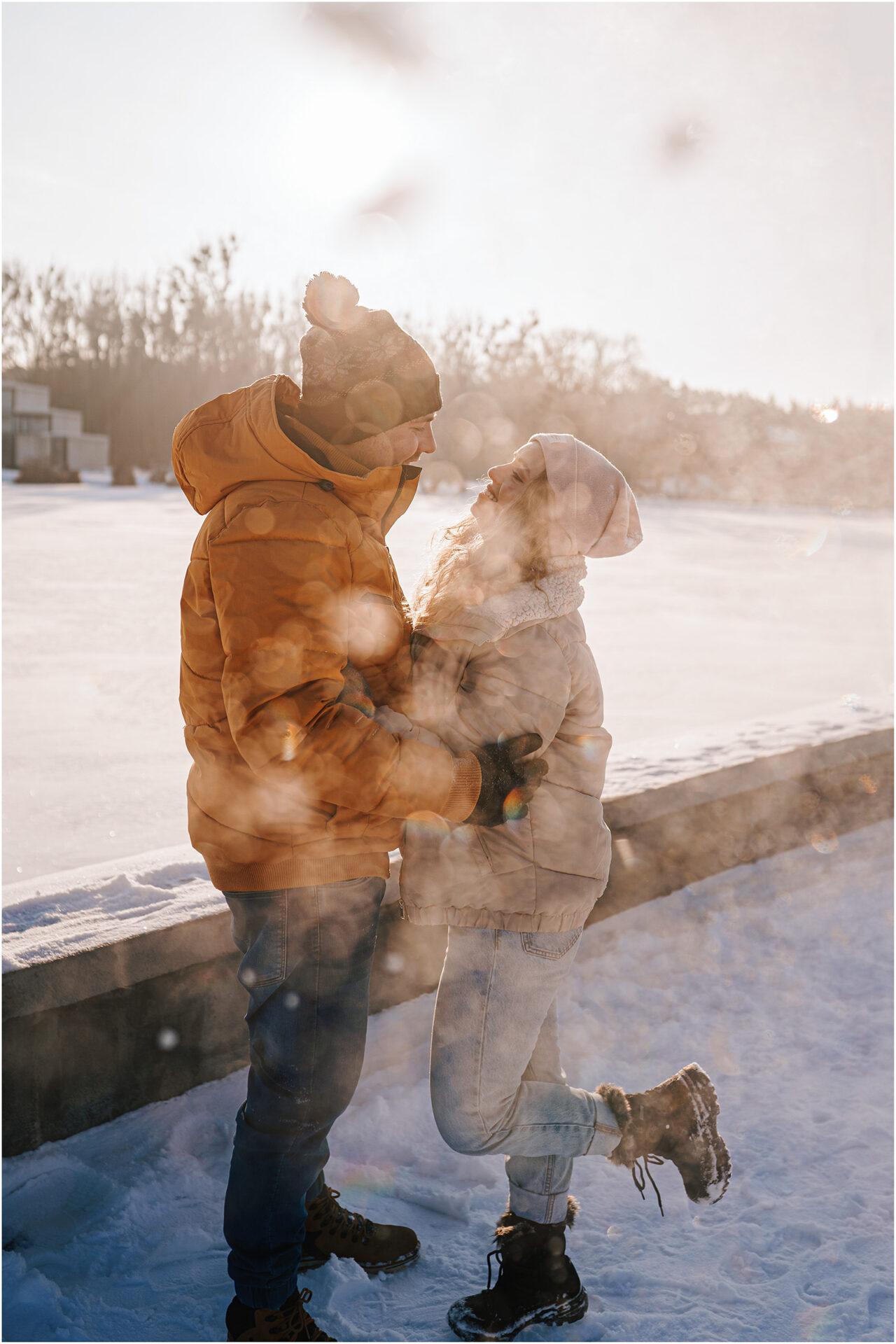 Paulina & Bartek | zimowa sesja nad jeziorem 5