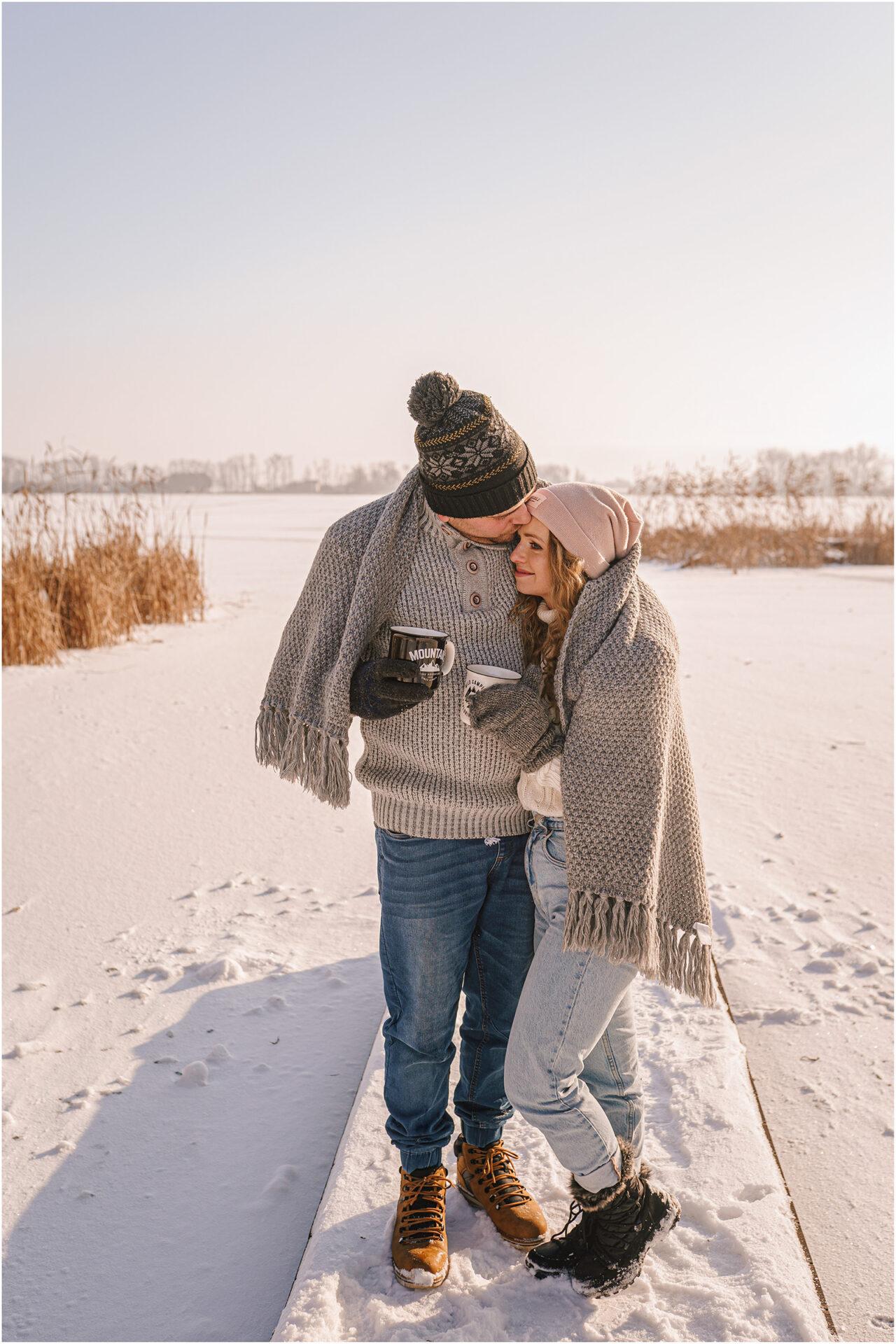 Paulina & Bartek | zimowa sesja nad jeziorem 27